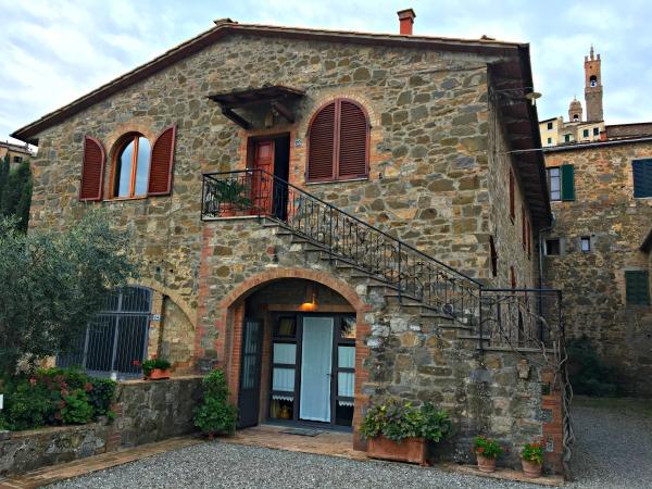 PortaCostallenaBedandBreakfast_Montalcino